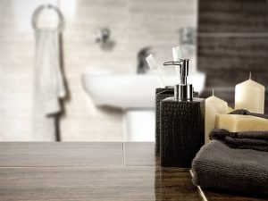 How to Enhance Your Bathroom Tiles With Accessories